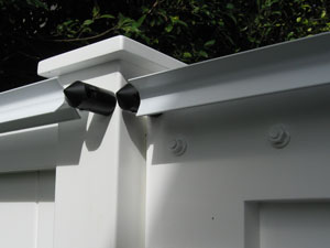 Oscillot mounted on a gate