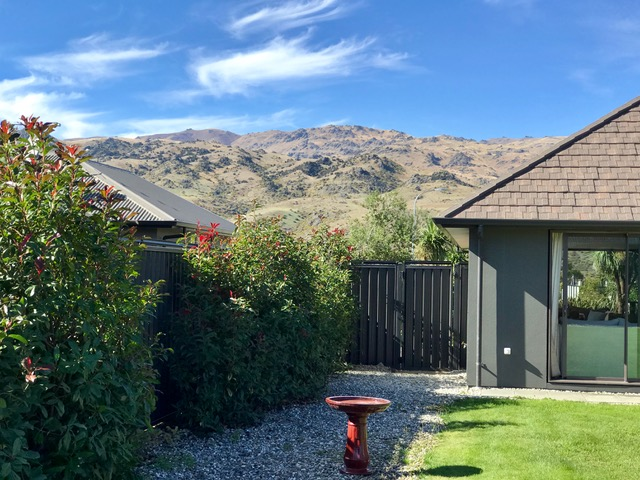 Oscillot fence system in Central Otago
